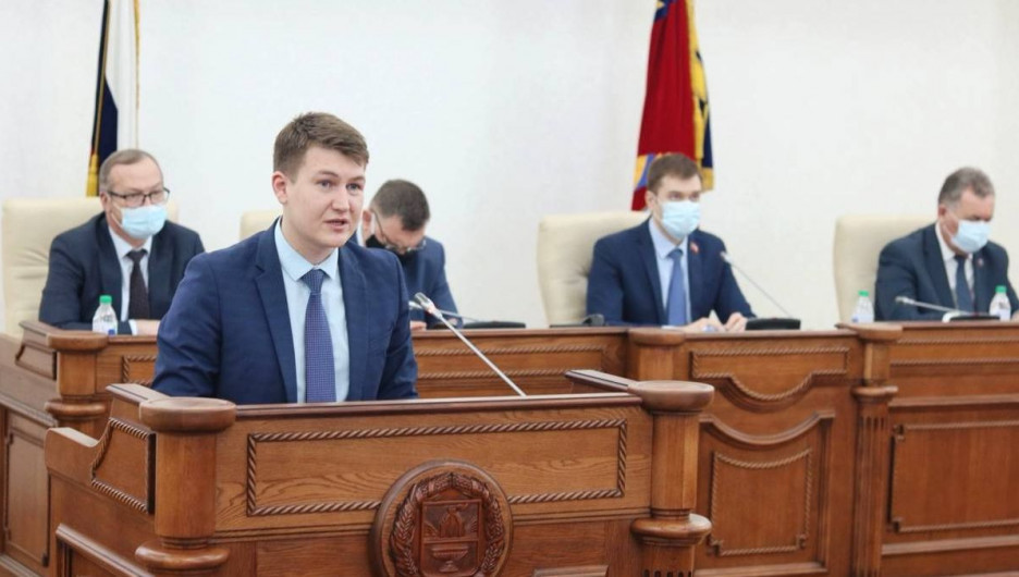 Конструктивная политика: «Единая Россия» в Алтайском крае запустила кадрово-образовательный проект для молодёжи