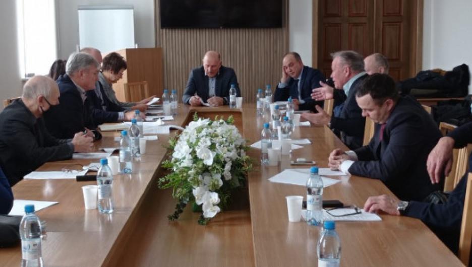 Заседание правления Союза строителей Алтайского края.