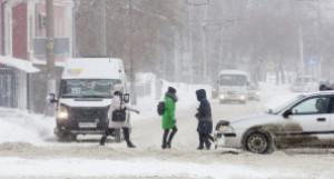 Снежный шторм обрушился на Барнаул в канун визита Михаила Мишустина.