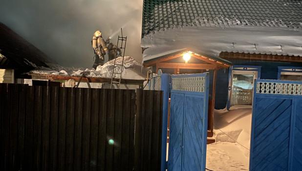 Пожар на ул. Денисова в Барнауле.