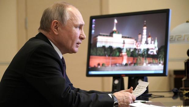 Путин высмеял западных политиков, вспомнив генерала и булочки