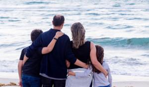 Семья, дети. Отпуск. Море.