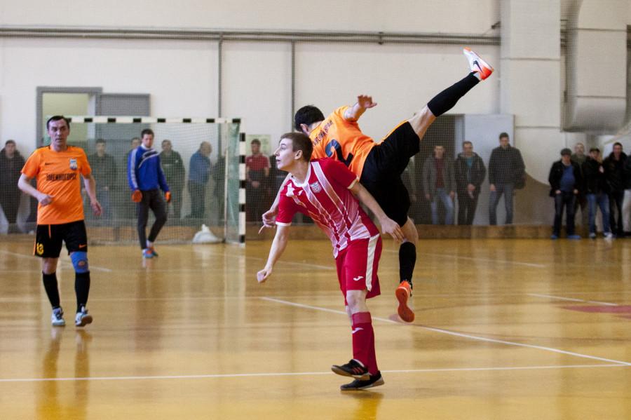 Экс-игрок сборной России по мини-футболу Сирило в Барнауле.