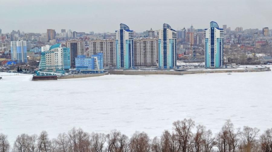 Обь в Барнауле перед ледоходом.