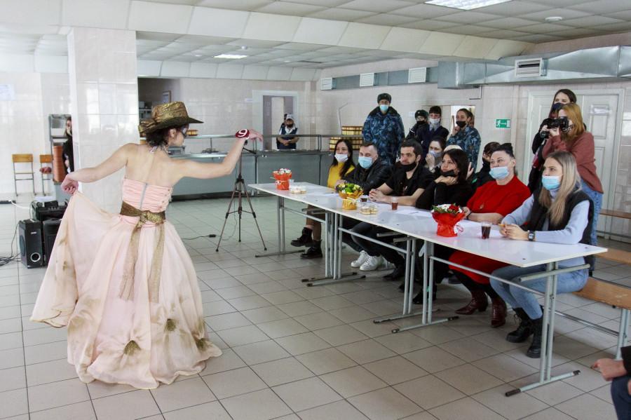 Конкурс красоты в исправительной колонии №11.