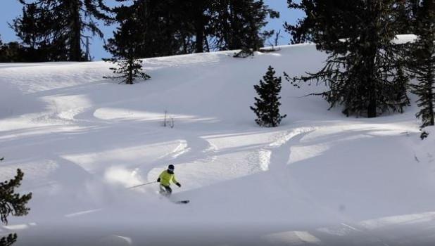 Олег Хорохордин на лыжах.