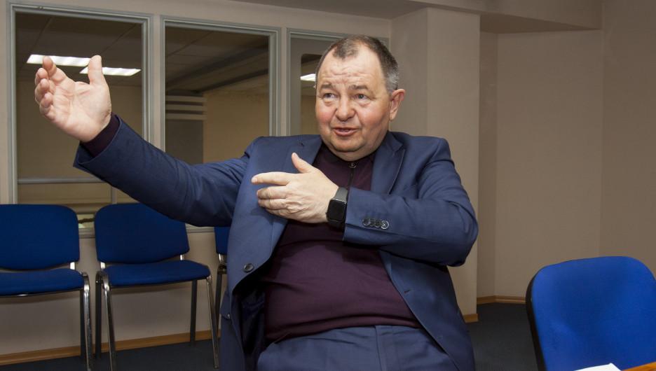 Исполнительный директор Федерации футбола Алтайского края Борис Трофимов.