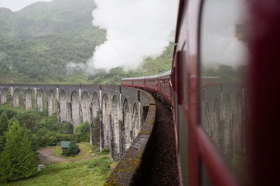 Поезд.