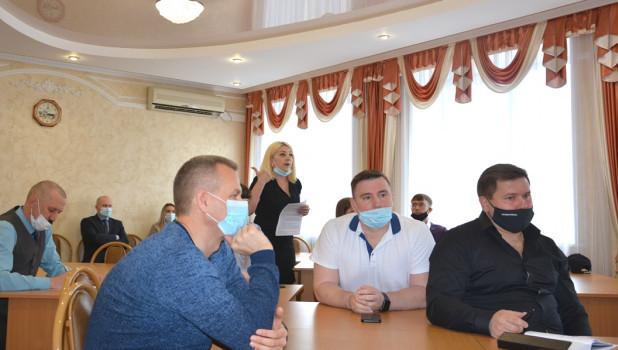 Встреча инициативной группы жильцов ул. Гущина с застройщиком.