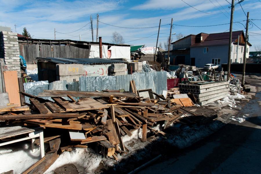 Участок в поселке «Северо-Западный» на ул. 1-я Речная, где появилась свалка.