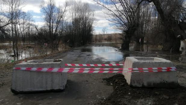 Перекрыта дорога на остров Шубинский.