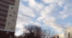 Участок на ул. Аносова, 6-а/1, расположенный между двумя зданиями.