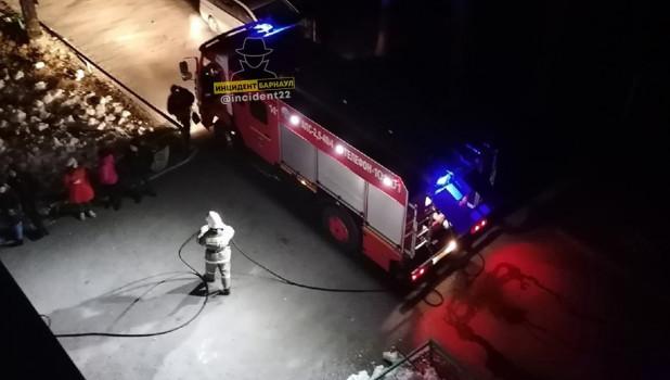 Пожар на ул. Попова в Барнауле.