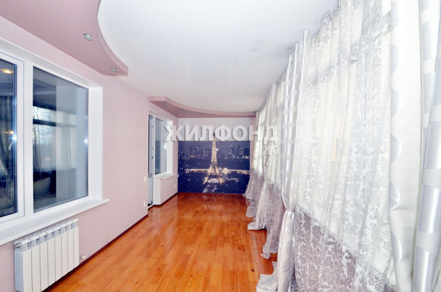 Большая лоджия в квартире на ул. Ленская, 1-В.
