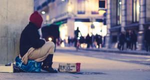 Бедность. Бездомные.