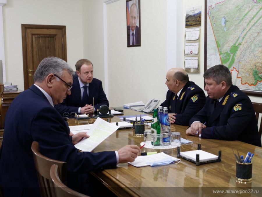 Томенко познакомили с главой комиссии по расследованию причин аварии на Барнаульской ТЭЦ-2