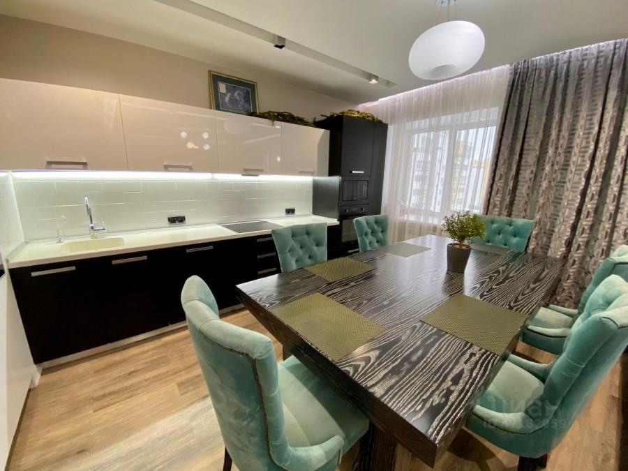 Квартира на Змеиногорском тракте, 104П/11 в Барнауле, которая стоит 11,85 млн рублей.