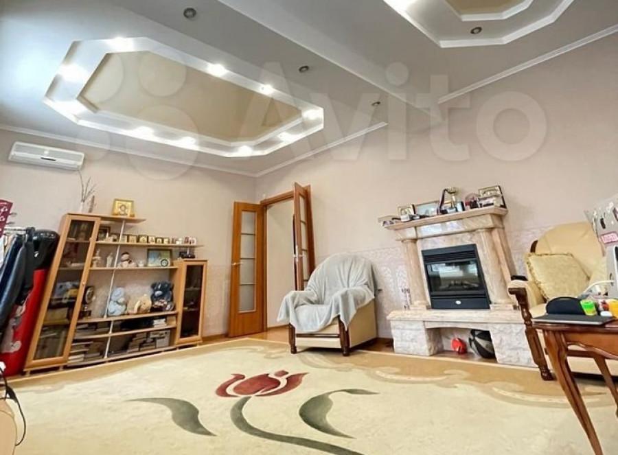 Барнаульская четырешка за 7,9 млн рублей, расположенная в доме на ул. Шевченко, 52-а