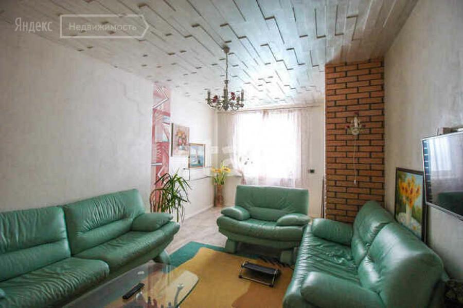 Квартира за 12,5 млн рублей с панорамными окнами, выходящими на Обь в Барнауле.