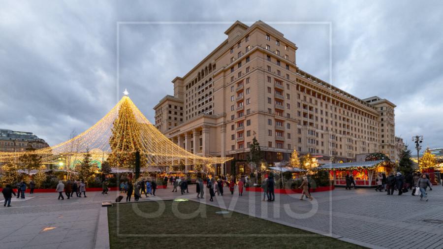 Трехкомнатная квартира за 324,13 млн рублей на ул. Охотный Ряд, 2 в Москве.
