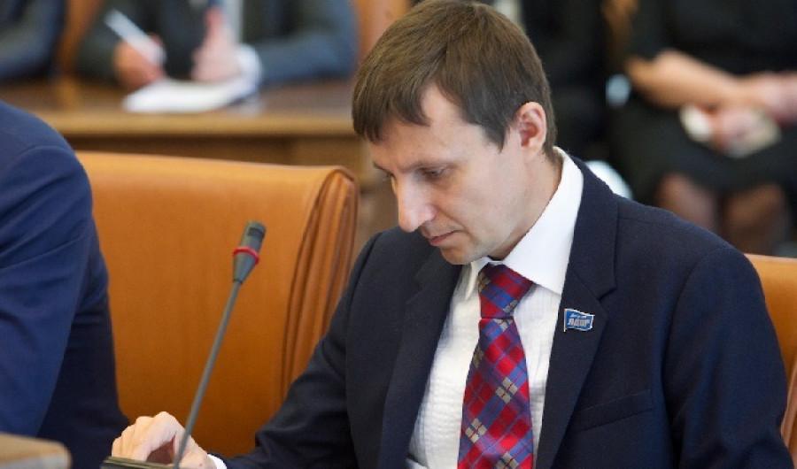 Губернатор-юбиляр. Взгляд на политическую эволюцию Виктора Томенко из Красноярска и Барнаула