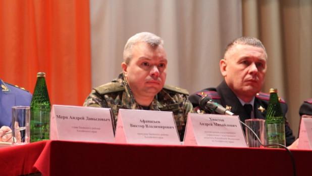 Андрей Хвостов (слева).