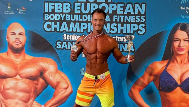 Евгений Голошубов взял серебро на чемпионате Европы по бодибилдингу.