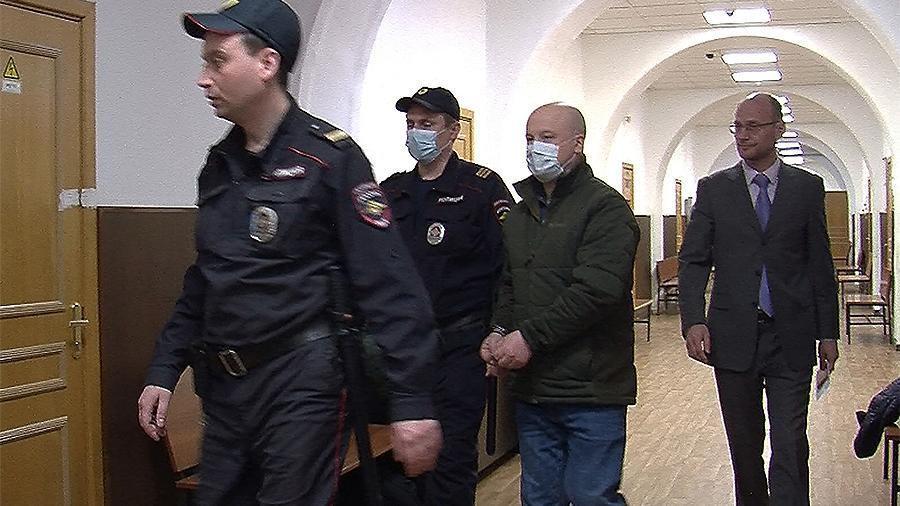 Александра Краковского доставили в суд.