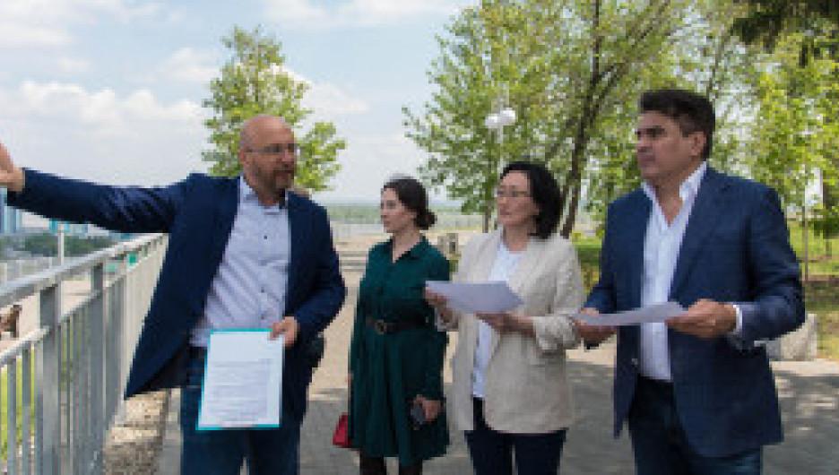 Алексей Нечаев и Сардана Авксентьева посетили Барнаул.