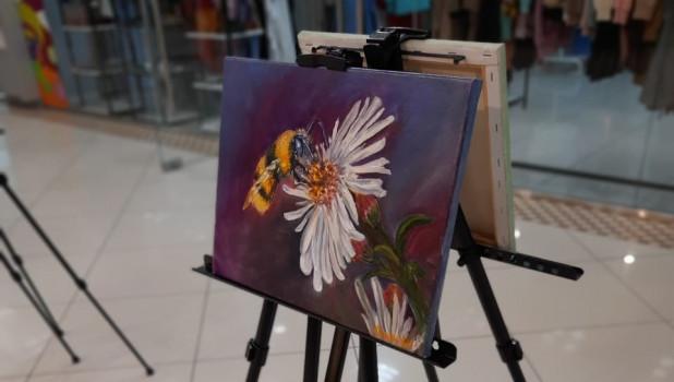 """В ТРЦ """"Весна"""" открылась выставка пастозной живописи"""
