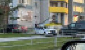 Ребенок получил травму в Барнауле после падения бутылки с высоты.