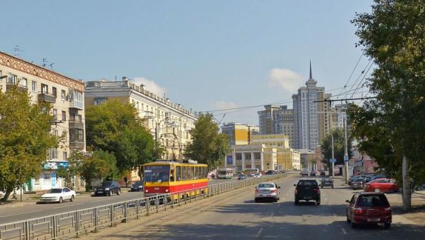 Проспект Строителей в Барнауле. Трамвай.