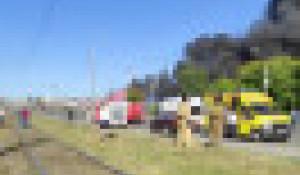 В Новосибирске взорвалась и загорелась автозаправка.