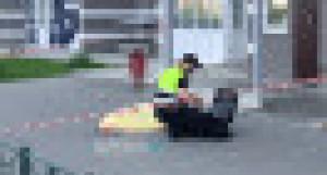 Женщина выпала с балкона многоэтажки в Барнауле.