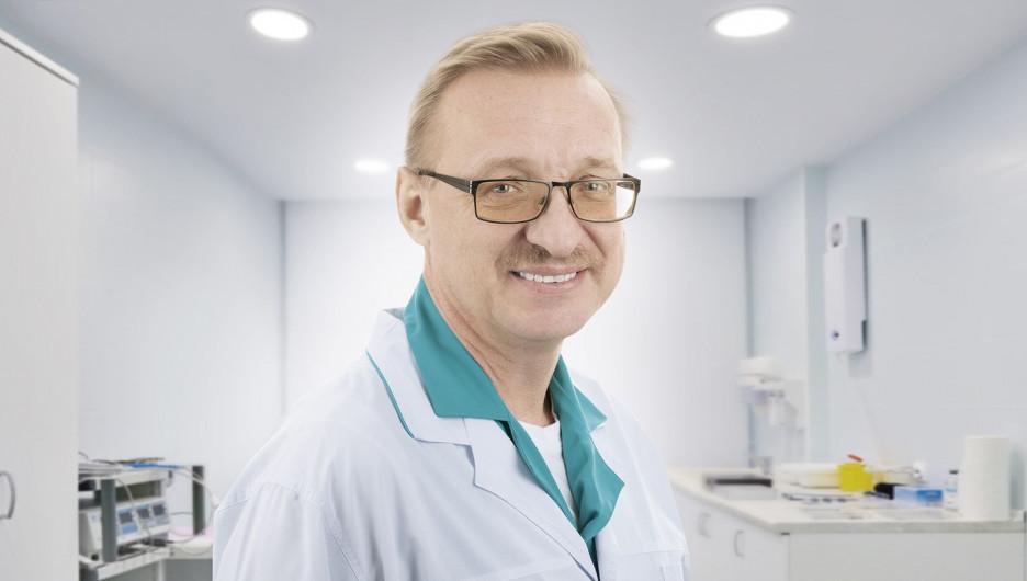 Профессор, доктор медицинских наук, онколог, эндокринолог, хирург со стажем работы почти 35 лет Сергей Петрович Шевченко.