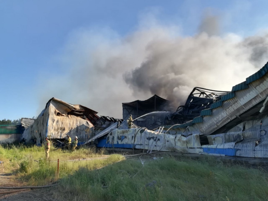 """Последствия пожара на """"Алтайском бройлере""""."""