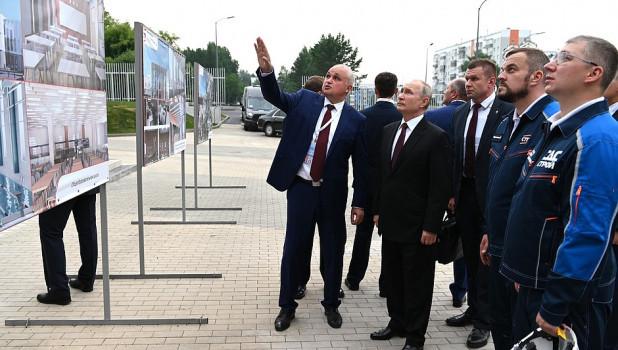 """""""Это другое"""". Общение Путина и Цивилева без масок в Кузбассе объяснил Роспотребнадзор"""