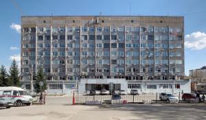 Здание в Барнауле на ул. Папанинцев, 105.