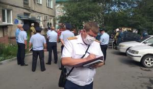 Следователи на месте ЧП с газом в Барнауле.