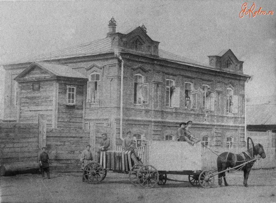 Здание иконостасно-иконописной мастерской Архипа Борзенкова, 1900.