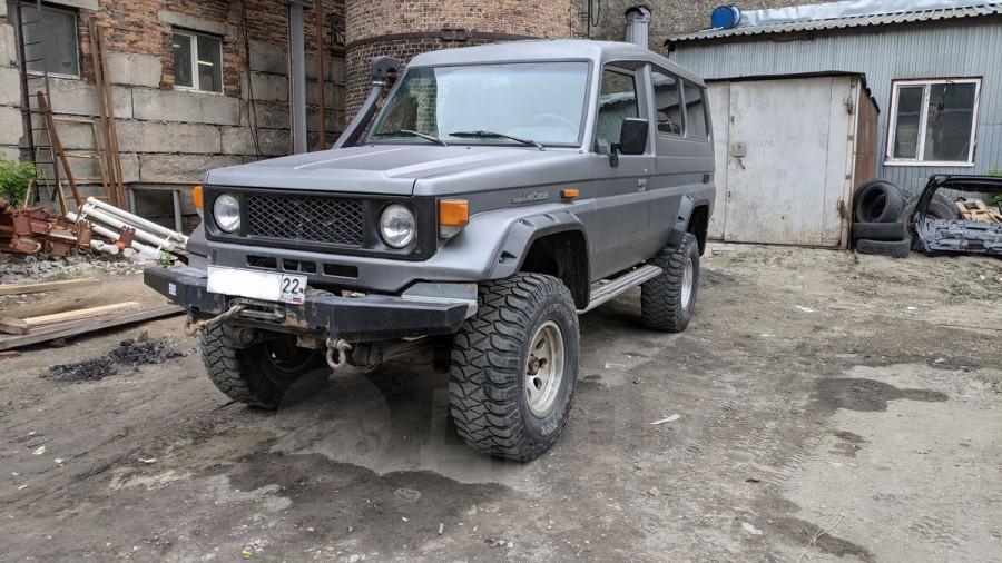 Toyota Land Cruiser (1988 год) за 1,95 млн рублей.