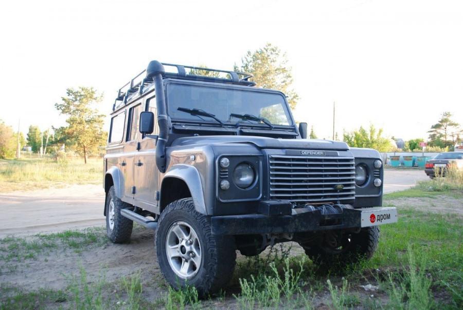 Land Rover Defender (2005 год) за 1,8 млн рублей.