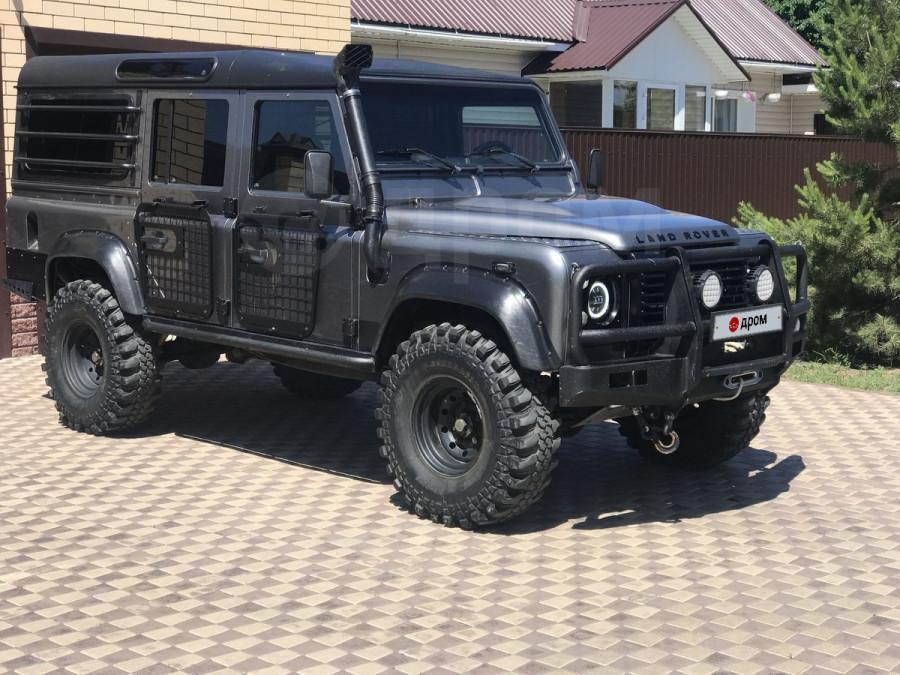 Land Rover Defender (2007 год) за 1,9 млн рублей.