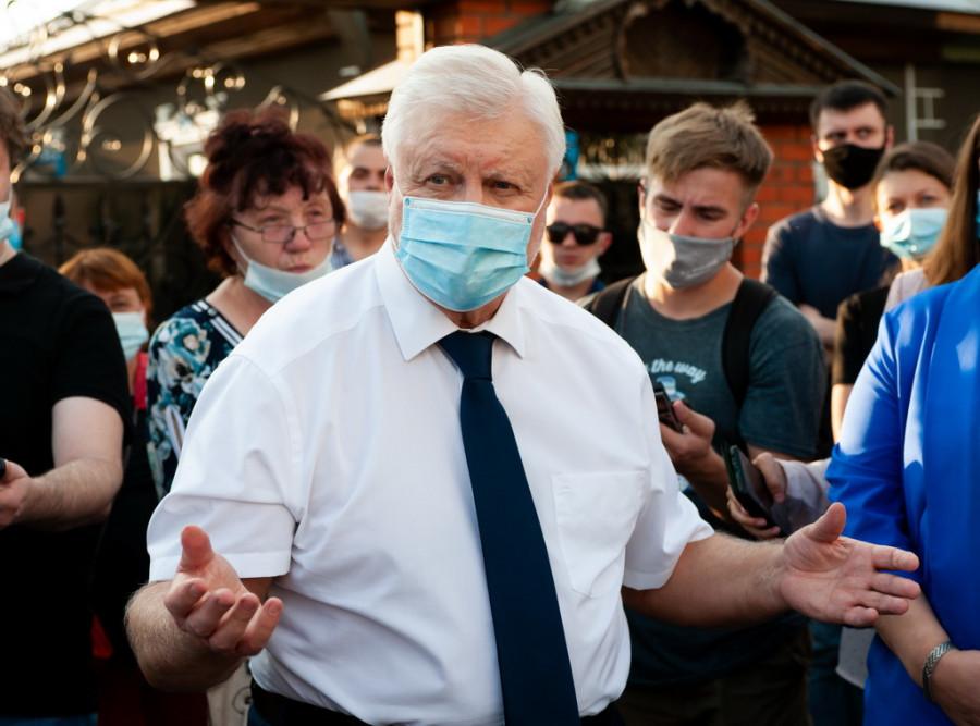 «Так не делается!». Сергей Миронов встретился с жителями частного сектора, страдающих от застройщиков