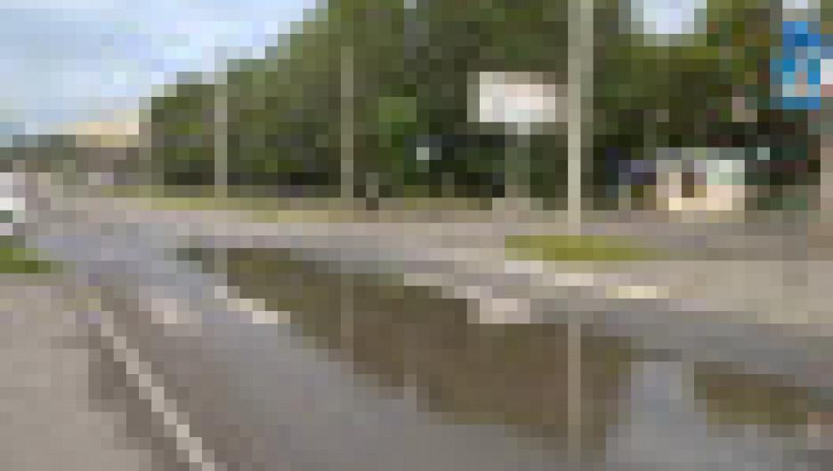 Лужи последи дорог в Бийске