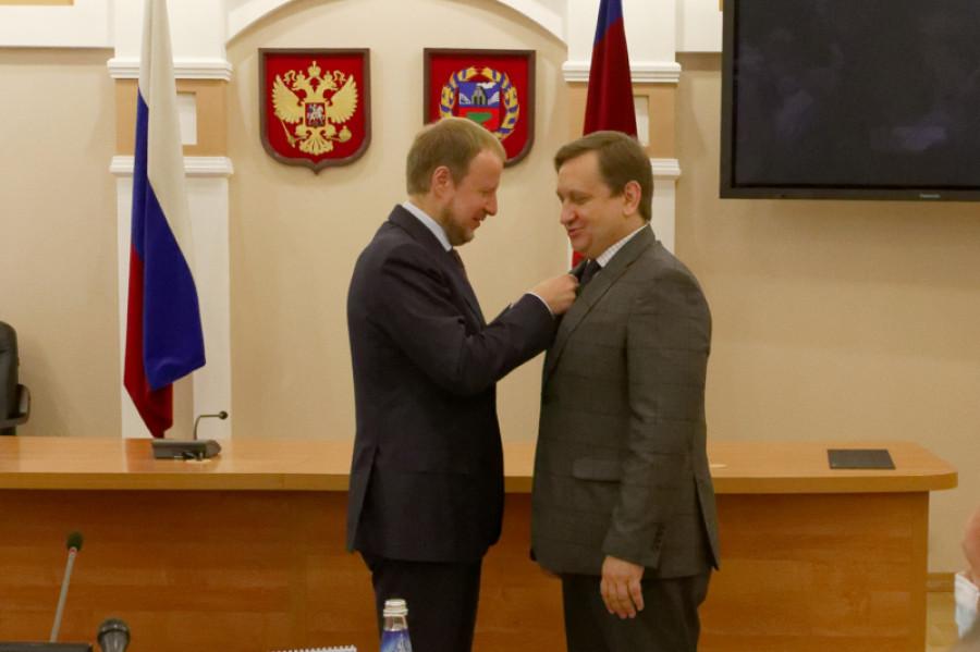 Стало известно, кто занял место у руля в министерстве образования Алтайского края