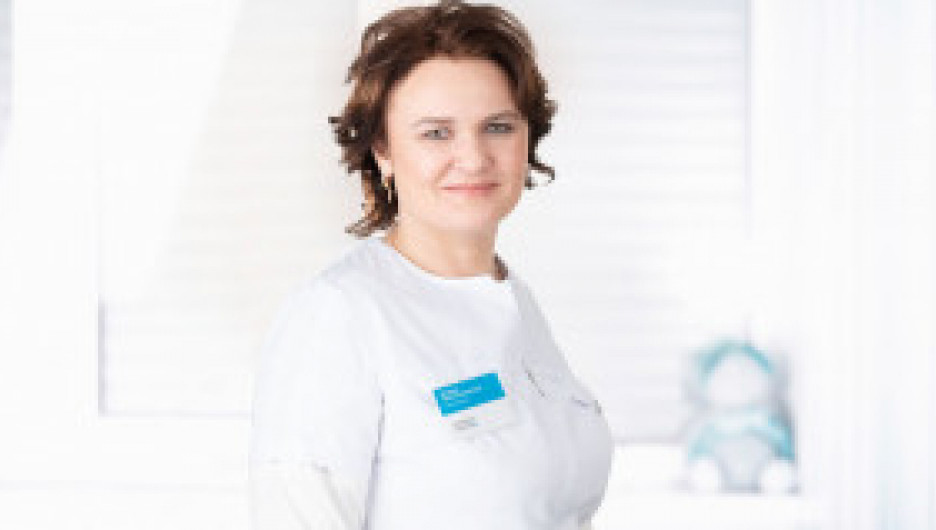Ирина Шмарина, кандидат медицинских наук, врач – пластический хирург, хирург, челюстно-лицевой хирург со стажем 19 лет.