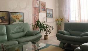 В Барнауле продается трехкомнатная квартира за 11,99 млн рублей, расположенная на ул. Приречная, 1.