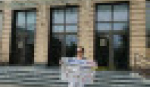 Пикеты против обязательной вакцинации в Барнауле.