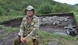 Археологический лагерь в долине Межеумка. Сергей Ситников.